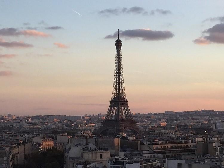 Odkryj najpiękniejsze zakątki miasta zakochanych